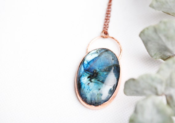 Blue Labradorite raw copper necklace - Labradorite - Boho-inspired jewelry