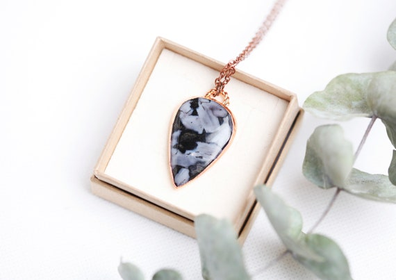 Gabbro necklace in raw copper // Gabbro Natural Stone // Nature-inspired jewelry - boheme