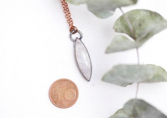 Peristerite necklace in patinated copper // rainbow moonstone jewel // boho jewel