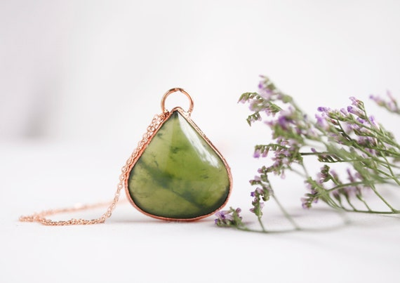 Jade necklace in raw copper - natural stone Jade - boho-inspired jewel