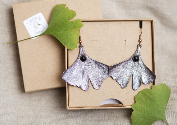 Real Ginkgo copper and Onyx Noir earrings - Nature-inspired jewel