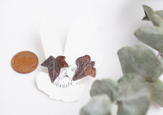 Real ear chips with patinated copper ivy leaves - Nature-inspired jewelry - boheme