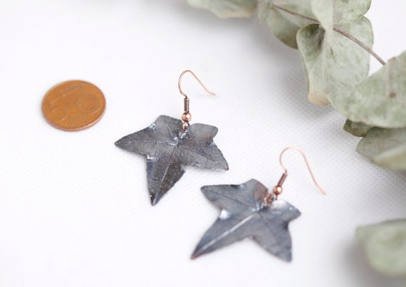 Earrings ivy leaves in patinated copper - Real plant jewelry