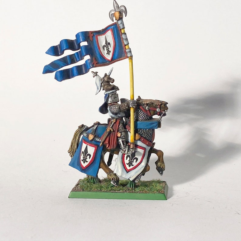 Painted 25mm scale Mounted Male Knight #52