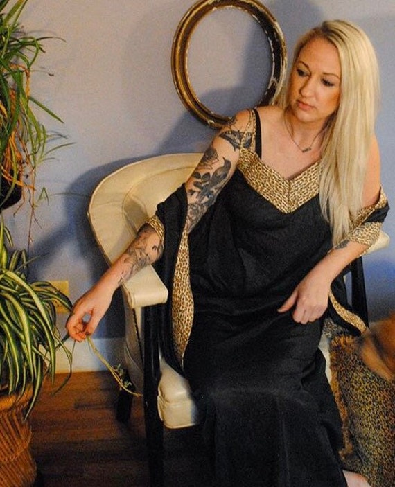 Black and leopard print vintage nightgown and robe