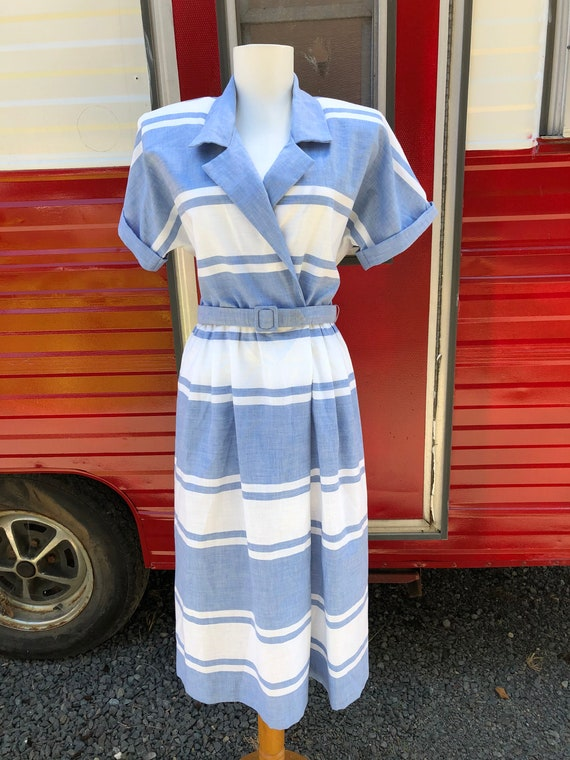 1980s does 1950s cotton shirtwaist housedress day