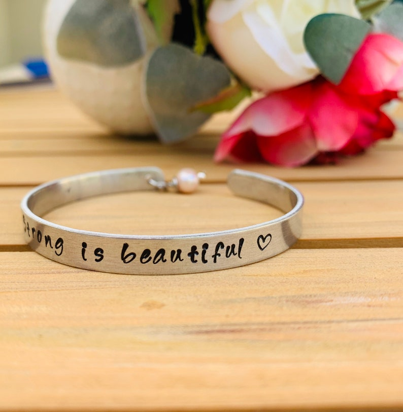 breast cancer awareness metal custom bracelet gift for women Personalized strong is beautiful bracelet cancer awareness bracelet