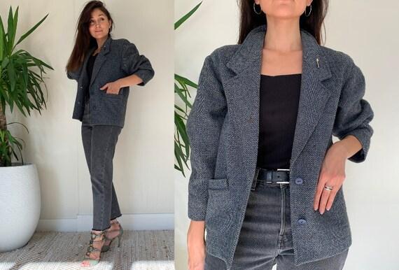 Vintage Tweed Blazer with Brooch / Vintage Embelli