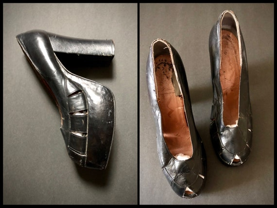 Vintage 1970s black leather platform heels | 70s c