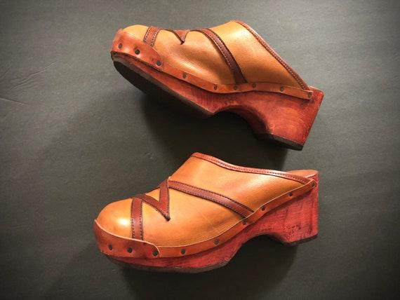 Vintage 1970's wooden platform shoes | '60s '70s b