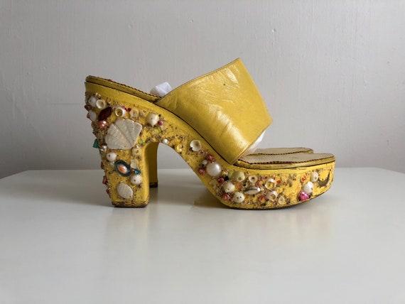 Vintage 1960s wooden platform sandals | 60s marigo