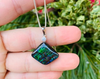 BRIGHT RED Alberta Ammolite Free Form Pendant Set With .925 Silver Bale /& 18 Curb Chain!