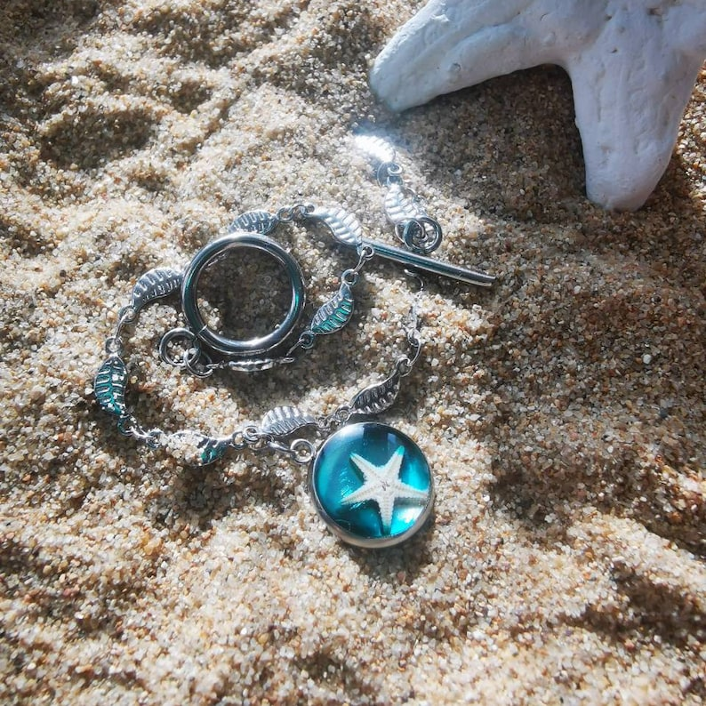 epoxy resin resin beach holiday hiking lust surfer style Bracelet with silver small leaves and real starfish