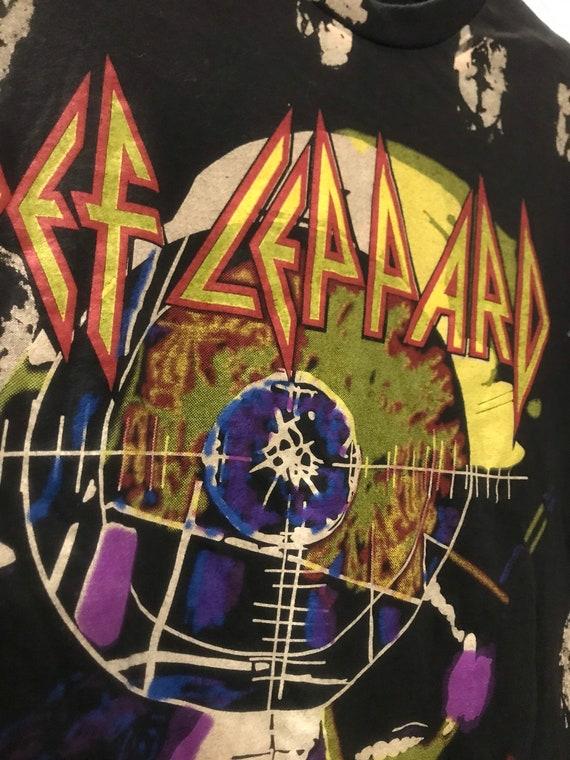 Overprint Def leppard band Tshirt
