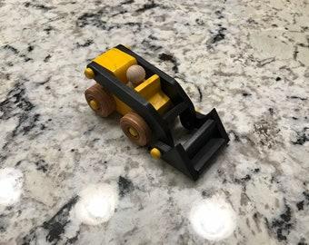 Mini Bobcat with Moveable Bucket
