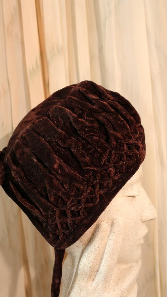 1930s Velvet Cap Hat