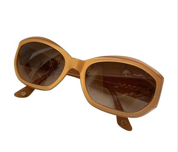 Chanel 90s sunglasses