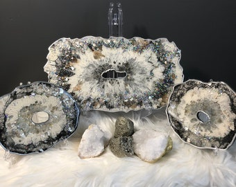 Resin serving tray and coasters-Trays for decor-Decorated tray-Geode Tray-Functional Art-Jewelry Tray-Display tray-Serving tray