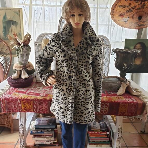 Cheetah leopard print vintage women's coat jacket