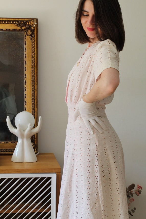 Pink dress from the 1930s