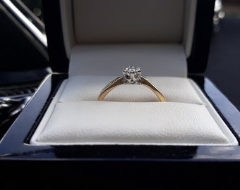 Vintage 9ct Gold & Real Natural Diamond Engagement Ring Size M.