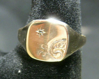 9ct Gold Signet Ring with Diamond and Pattern