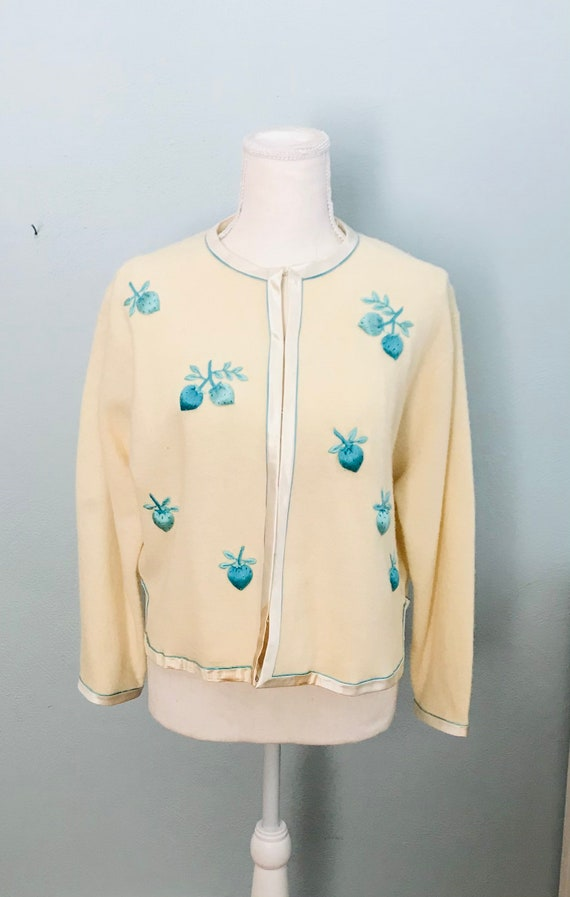Vintage 1950's Cream Embroidered Cardigan Sweater