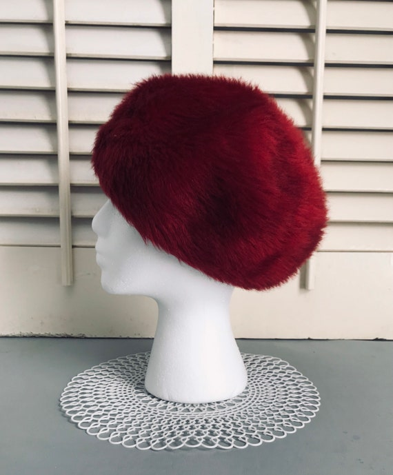 Beautiful Ruby Red Fur Hat Classic French Beret fr