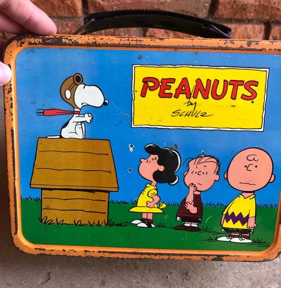 Vintage PEANUTS~ Snoopy Metal Lunch Box