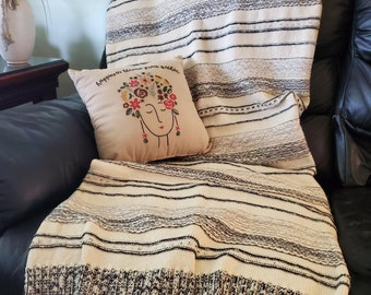 Hand knitted Throw | Gorgeous Blanket | Beautiful Throw | Cotton Blanket | Soft Blanket / Bedding | Black and Gray Throw | Handwoven Throw