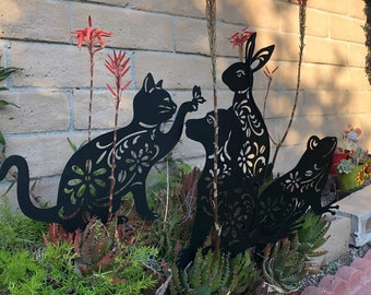 Garden Yard Stake Frog Animal Cutout Metal Floral Flower Silhouette Cute