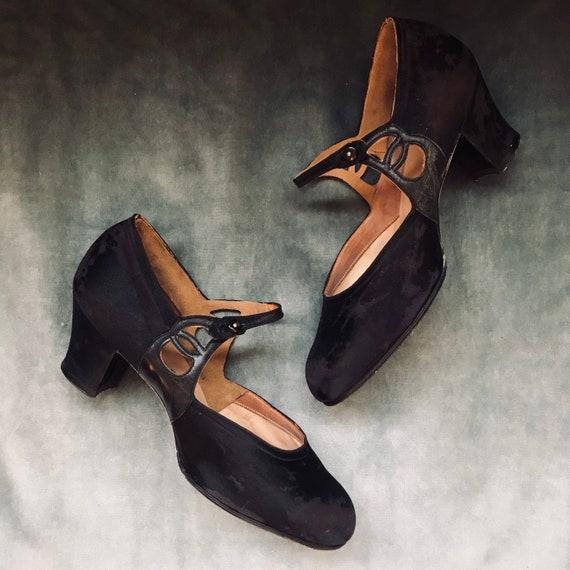 Mary Jane vintage 1920 20's art deco shoes