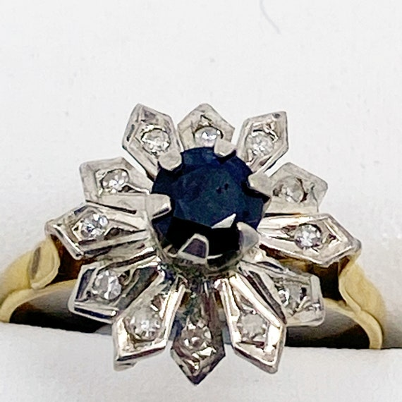 Antique sapphire flower ring