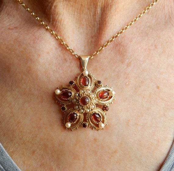 9ct gold bib necklet necklace 1981 vintage 40cm