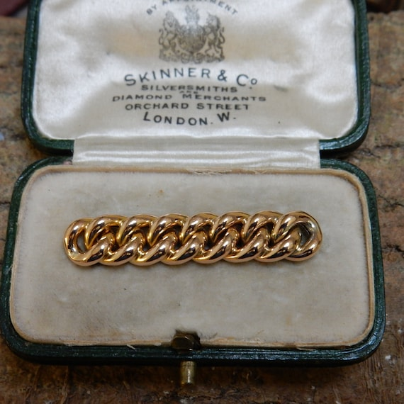 Antique  15ct / 15k  Curb Chain Link Brooch (Suffr