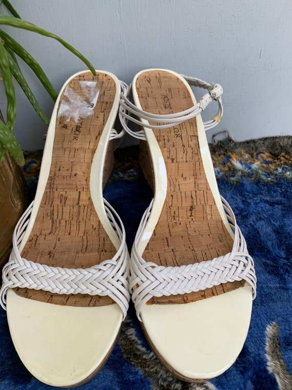 Size 7 shoes, white leather sandals, wedge heel co