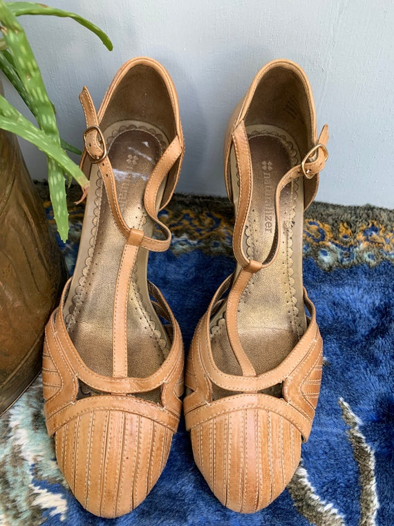 Brown leather T Strap pumps vintage leather size 7