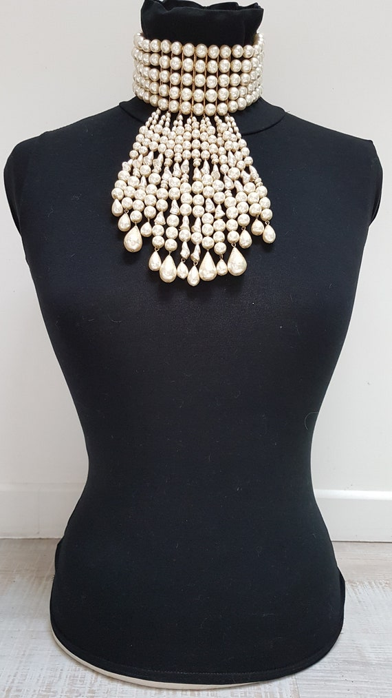 30s faux pearls style neck necklace