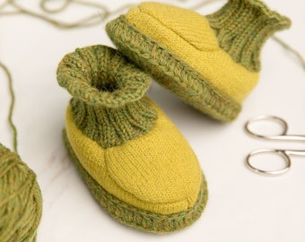 Baby booties of merino knitwear felt in the authentic gift box