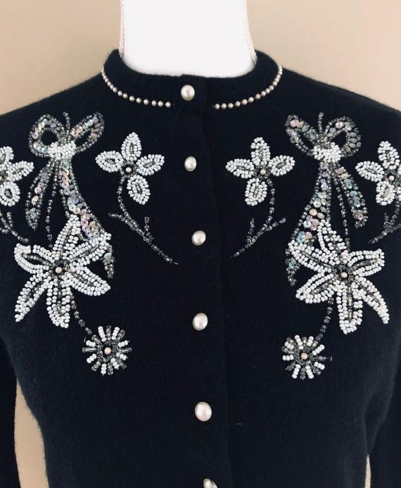 1950s Beaded Sweater - image 4