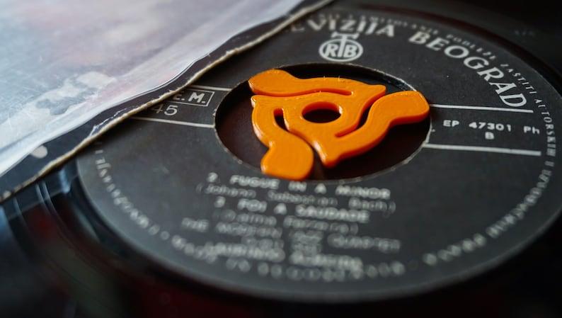 Retro 45 rpm record insert  7 inch vinyl adapter  3D print image 0