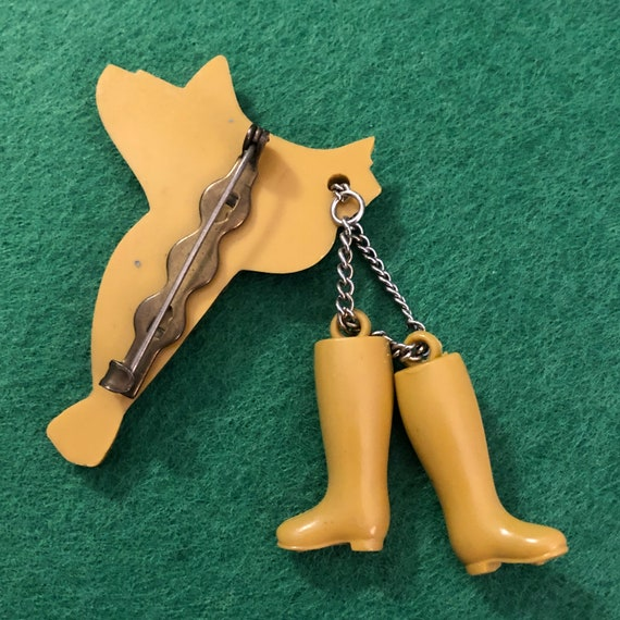 1930s Celluloid Western Saddle & Boots Pin - image 2