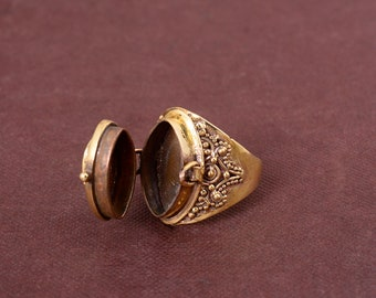 Natural Garnet poison ring . Gold Garnet hidden box ring . June birthstone ring . love ring . small box ring, Box Ring