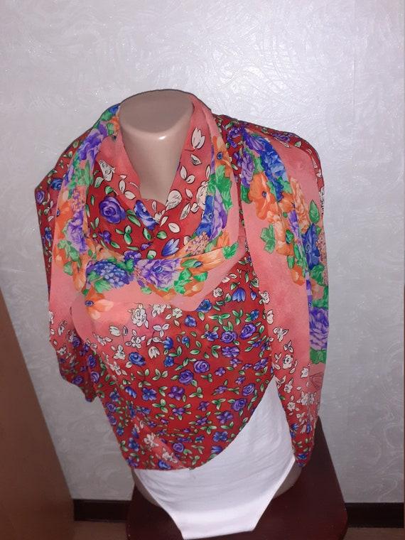 Atelier VERSACE silk scarf vintage. Big size squar