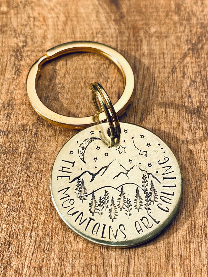 Wanderlust Keyring The Mountains Are Calling Keyring Cabin Keys Keychain Adventure Keychain