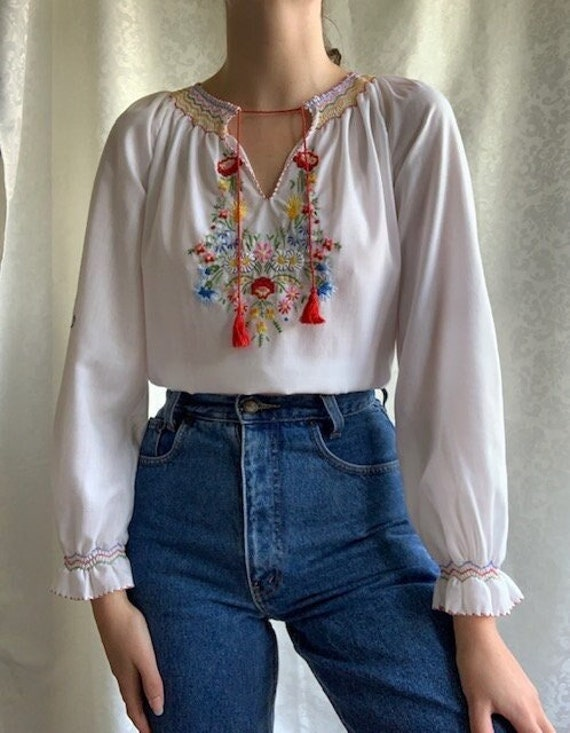 Vintage Hungarian hand embroidered white cotton b… - image 1