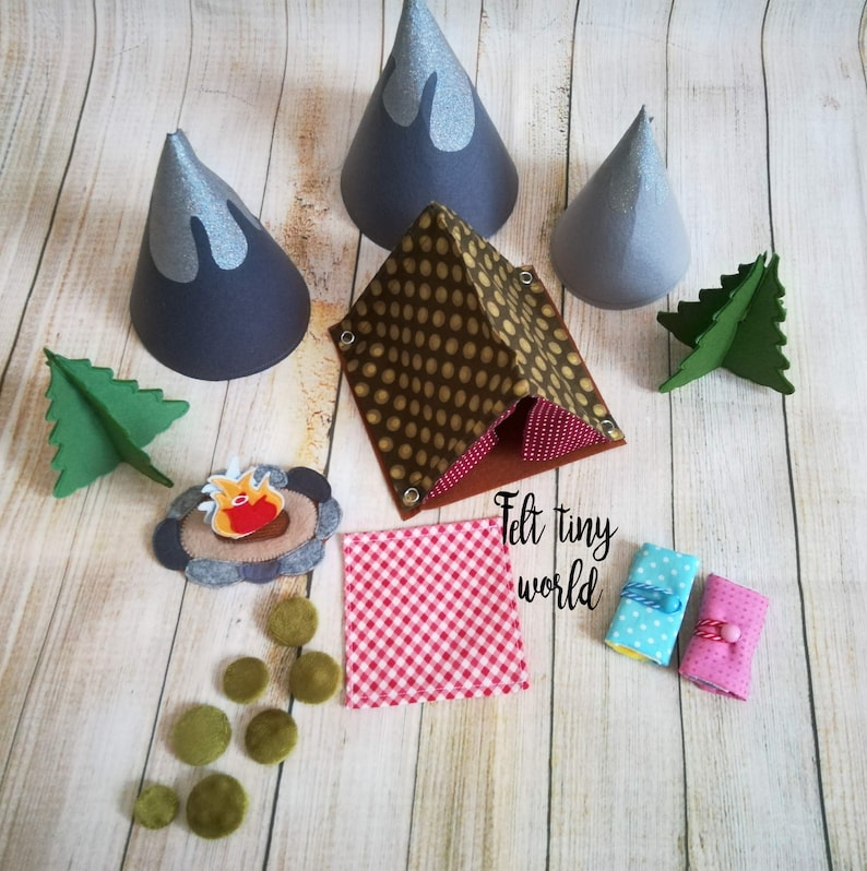 Woodland Camping Set for peg dolls - Forest camping play set