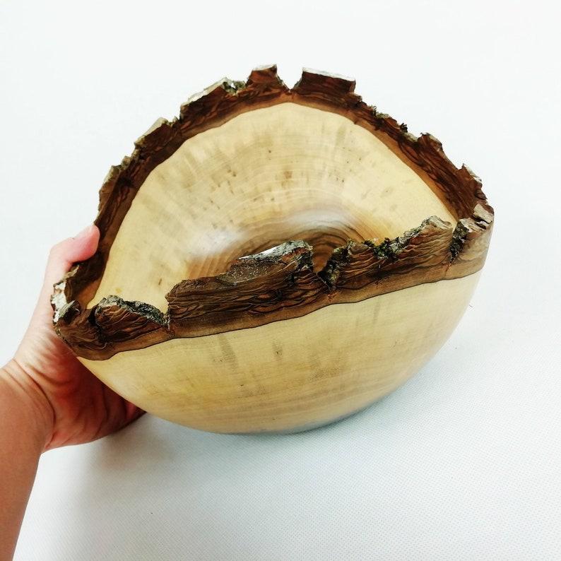Walnut Live Edge Bowl - bol décoratif en noyer - bol d'écorce - bol en bois - cadeau anniversaire - crémaillère - cadeau de mariage - bord de noyer