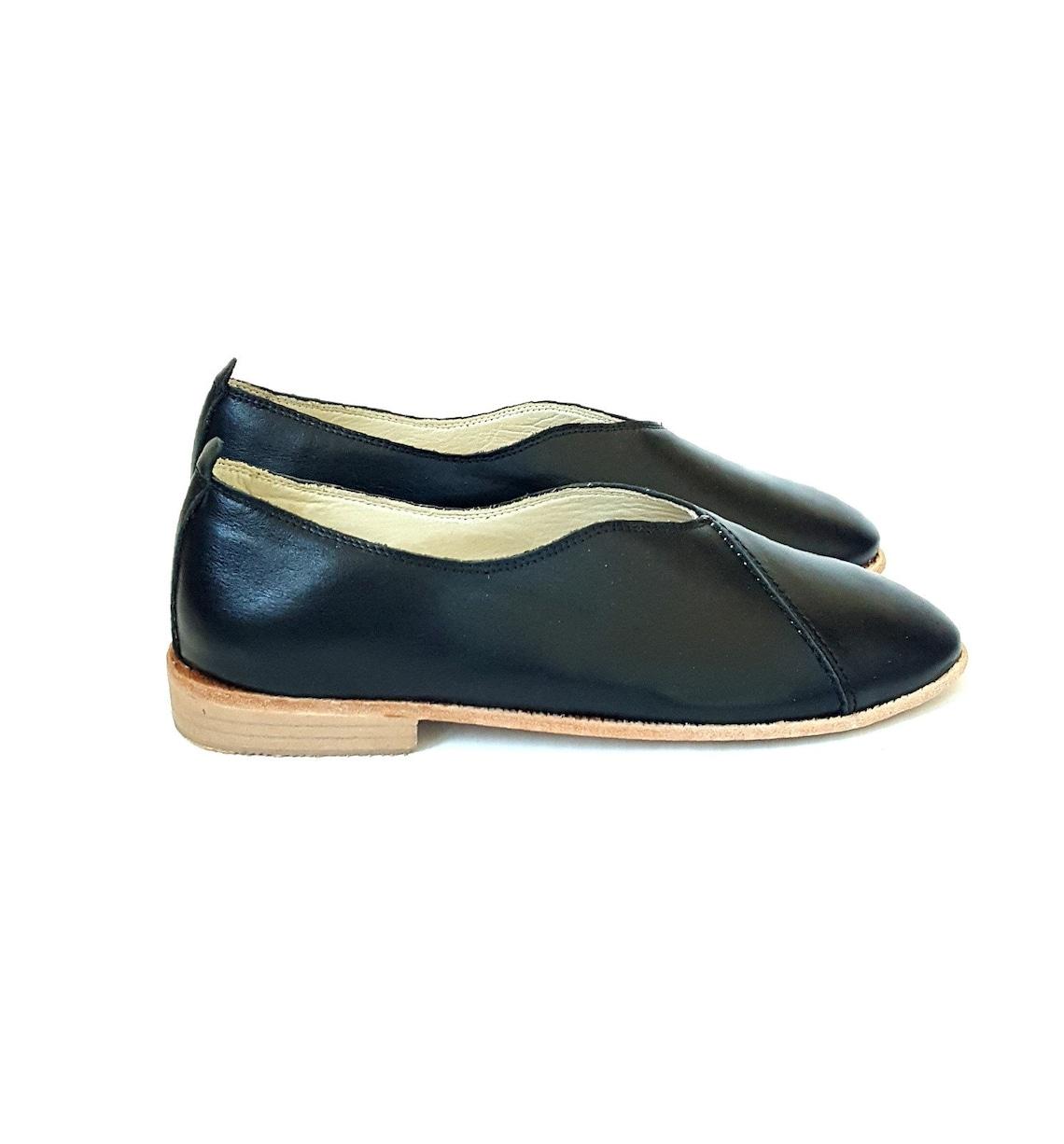 Women's Made To Order Handmade Gold Organic Dye 100% Leather Flat Slip Ons Women Loafers Metropolitan Lu