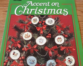 Leisure Arts Accent on Christmas